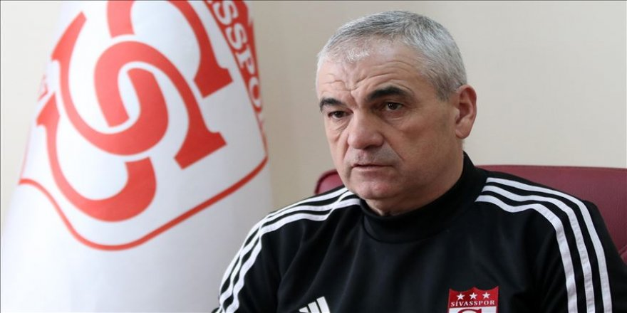 Sivasspor Teknik Direktörü Rıza Çalımbay'dan penaltı ve hakem tepkisi