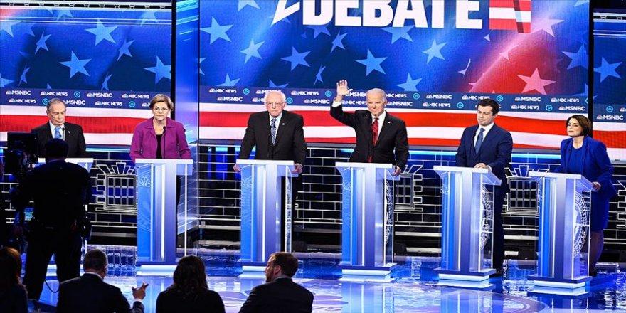 ABD'de Demokrat aday adayları canlı yayında karşı karşıya geldi