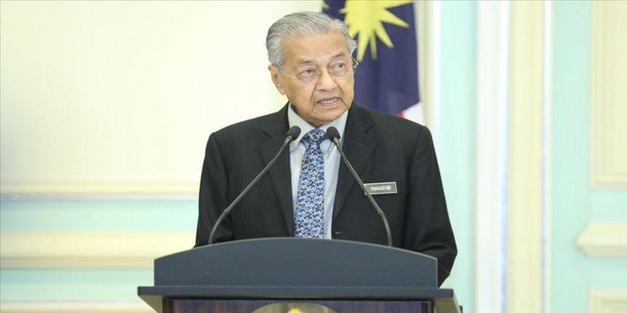 Malezya'da başbakanlıkta değişim tarihini Mahathir Muhammed belirleyecek
