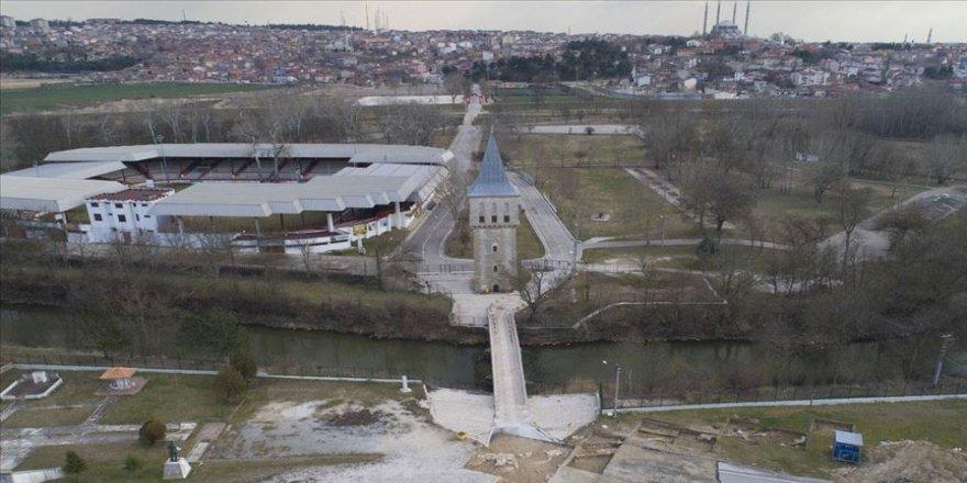 Edirne Yeni Sarayı'nın kapı duvarı gün yüzüne çıkarılıyor