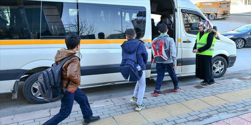 Başkentte maddi durumu olmayan öğrencilere okul servisi desteği