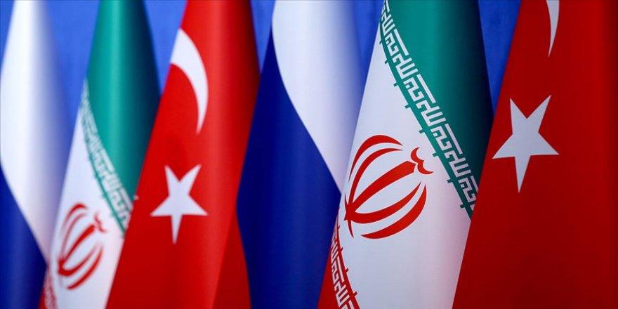 Rusya Suriye konusunda Türkiye ve İran'la 'çoklu formatta görüşme'yi değerlendiriyor