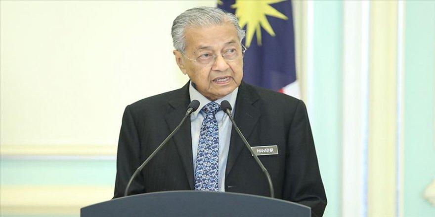 Malezya'da yeni hükümeti Mahathir Muhammed kuracak