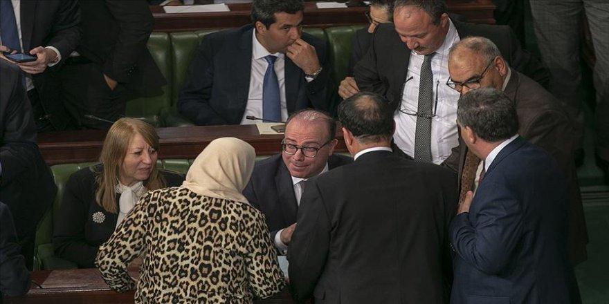 Tunus'ta Fahfah hükümeti güvenoyu aldı
