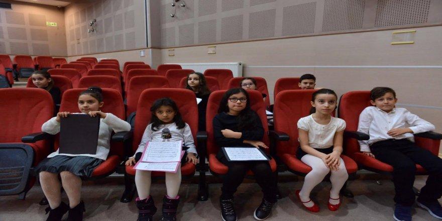 Konservatuvar öğrencilerinden piyano dinletisi