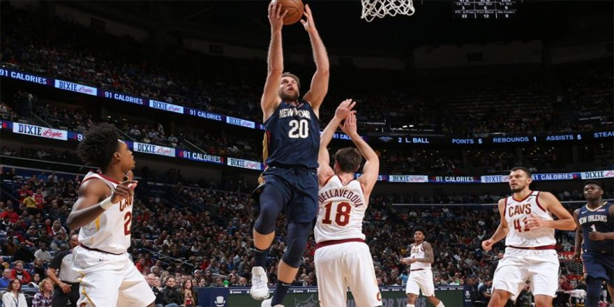 NBA'de Pelicans, Zion Williamson'ın tarihe geçtiği maçta Cavaliers'ı yendi