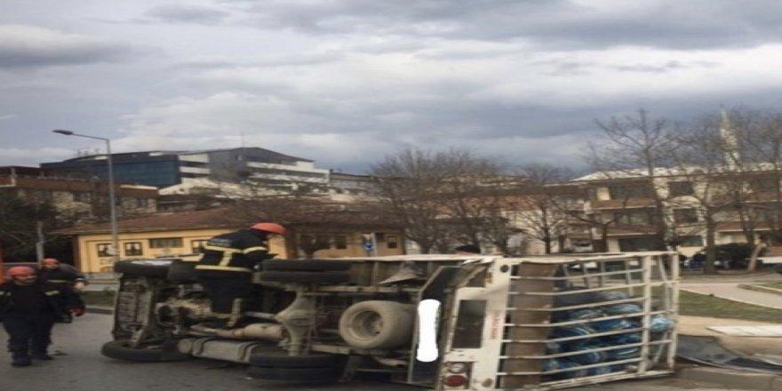 Gebze'de tüp arabası devrildi