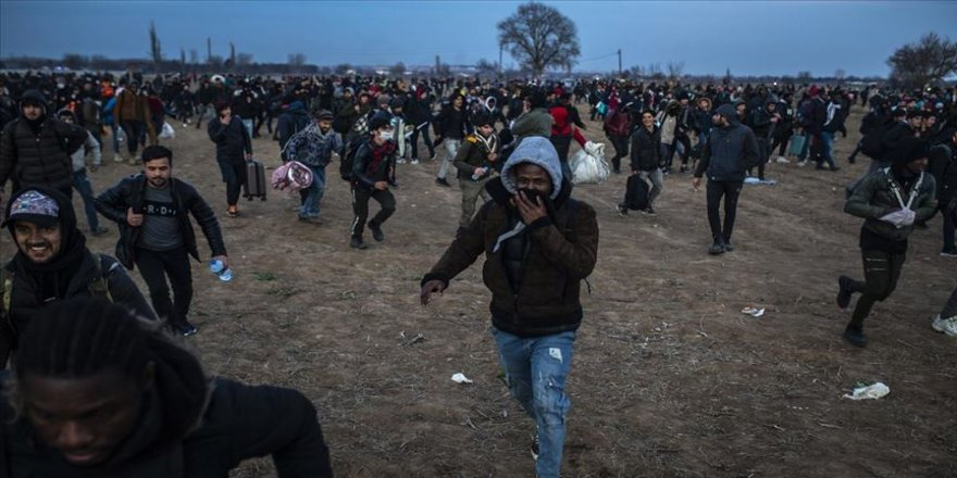 Binlerce göçmen bugün de Yunanistan'a geçti