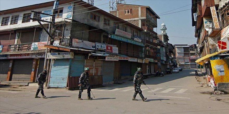 Cammu Keşmir'de sosyal medya platformlarına erişim yasağı kalktı