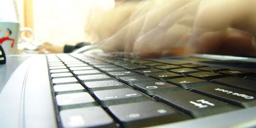 Siber polisler sosyal medyada 'koronavirüs' devriyesinde