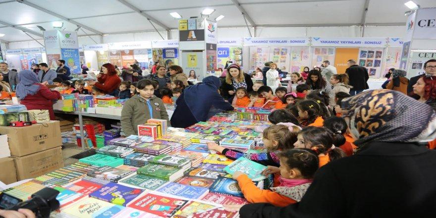 Darıca Kitap Fuarı'nı 80 bin kişi ziyaret etti