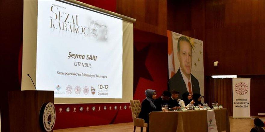 Farklı illerden gelen öğrenciler Diyarbakır'daki 7 okulda Sezai Karakoç'u anlatacak