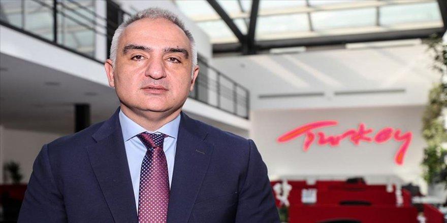 Bakan Ersoy, özel tiyatroların temsilcileriyle bir araya geldi