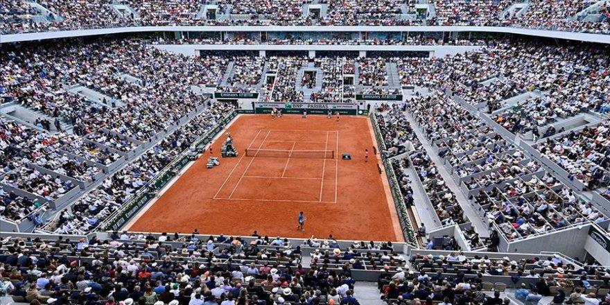 Fransa Açık Tenis Turnuvası 4 ay ertelendi