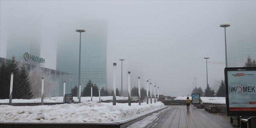 Kazakistan'da Kovid-19 nedeniyle karantina uygulaması başladı