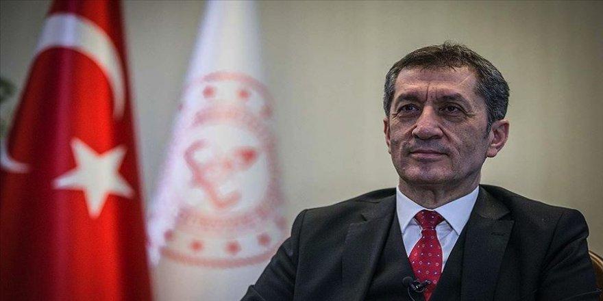 Milli Eğitim Bakanı Selçuk uzaktan eğitime ilişkin merak edilenleri yanıtladı