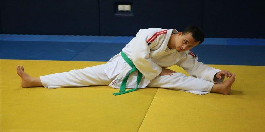 Down sendromlu milli judocu Talha Antalya'da altın madalya hedefliyor