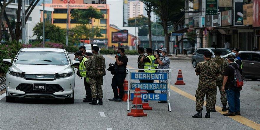 Malezya'da günlük faaliyetleri sınırlandırma uygulaması uzatıldı