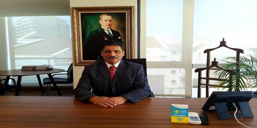 İYİ Partili Nuri Okutan,salgının önlenmesi için alınan kararlar gecikmiş ve yetersiz
