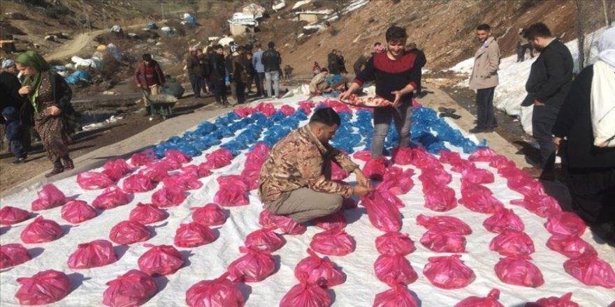 Koronavirüse karşı 180 kurban kesip ihtiyaç sahiplerine dağıttılar