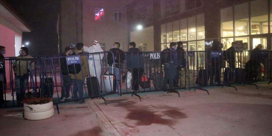 Kazakistan ve KKTC'den gelen 314 kişi yurtlara yerleştirildi