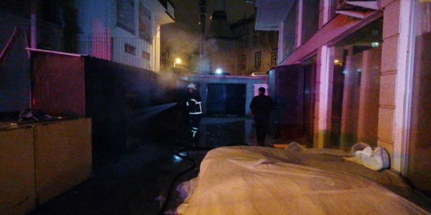 Gebze'de bir iş yerinde yangın !