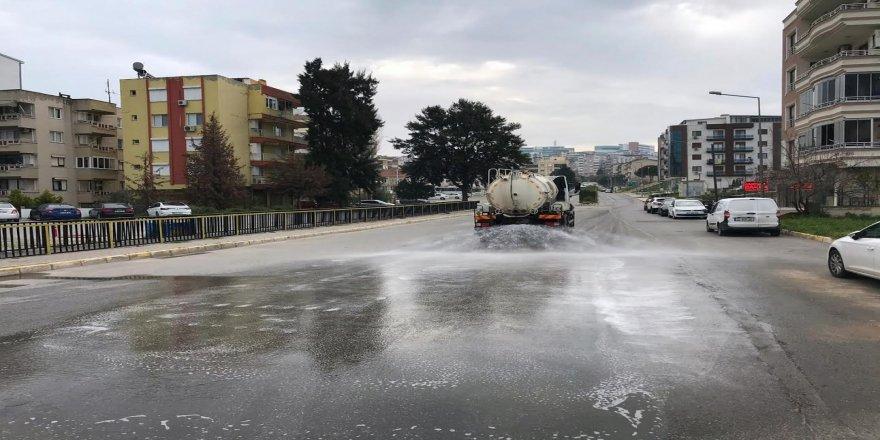 Aliağa Belediyesi,dezenfekte işlemlerini sürdürüyor