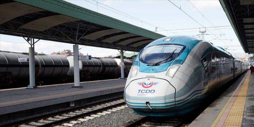 Yüksek Hızlı Tren, Anahat ve Bölgesel tren seferlerinin geçici olarak durdurulduğu bildirildi.