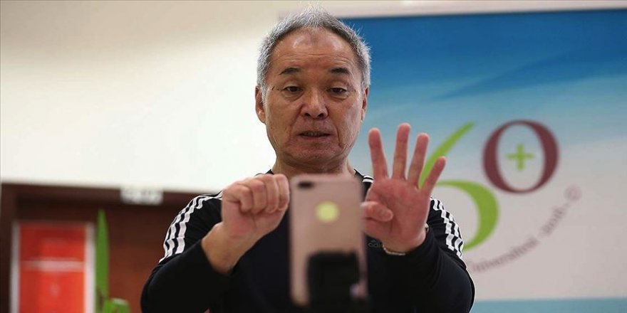 Yaşlılar online egzersizle formda kalacak