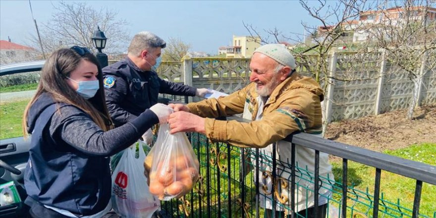 """Türkiye'de yaşlı nüfusun en yüksek olduğu ilde yaşlılara """"Evde kalın"""" çağrısı"""