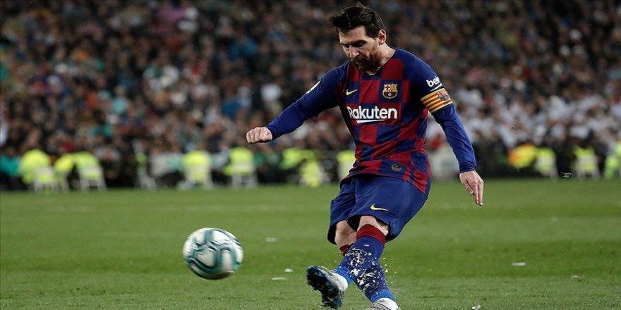 Barcelona Kovid-19 salgını nedeniyle sporcularının maaşlarında kesinti yaptı