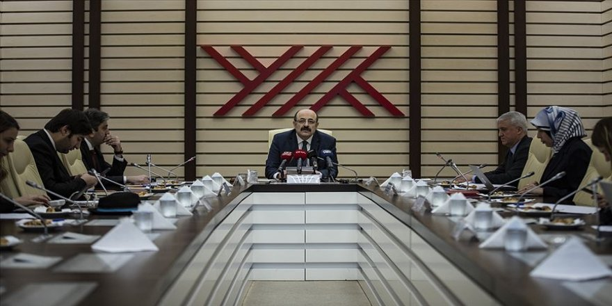 Saraç ve YÖK üyeleri 'Milli Dayanışma Kampanyası'na birer maaşlarını bağışladı