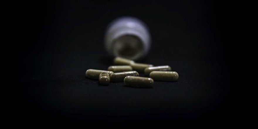 Türkiye koronavirüs tedavisinde kullanılan ilaçların üretimi ve tedarikinde sıkıntı çekmiyor