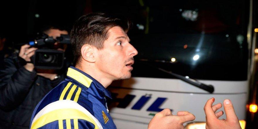 Emre Belözoğlu: 4 Nisan 2015'in faillerinin bulunmaması camiamızı üzüyor