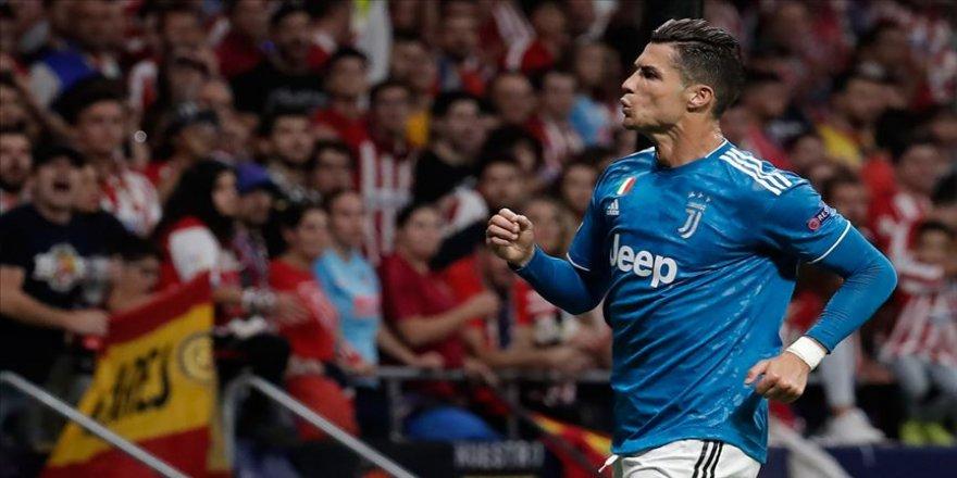 Cristiano Ronaldo 1 milyar dolar kazanan ilk futbolcu olacak