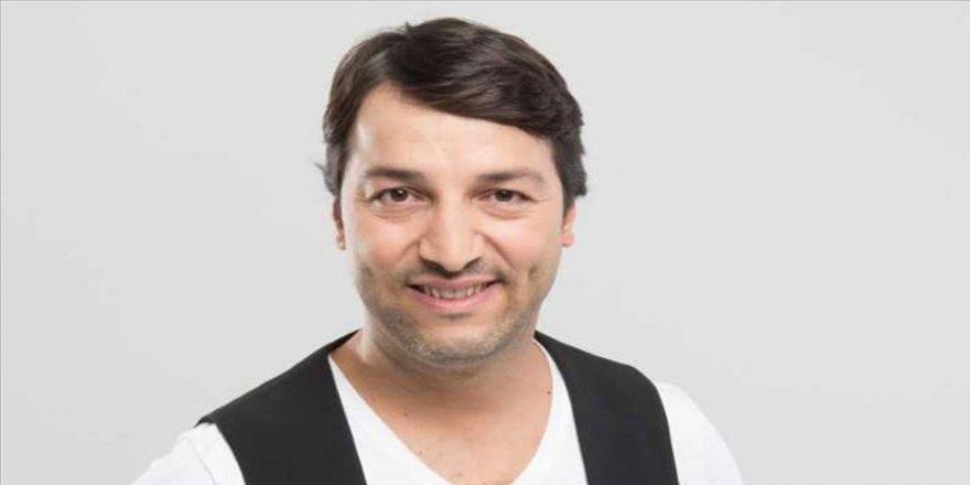 Sanatçı İsmail Baki Tuncer, ünlülerin sesiyle 'evde kal' çağrısı yaptı