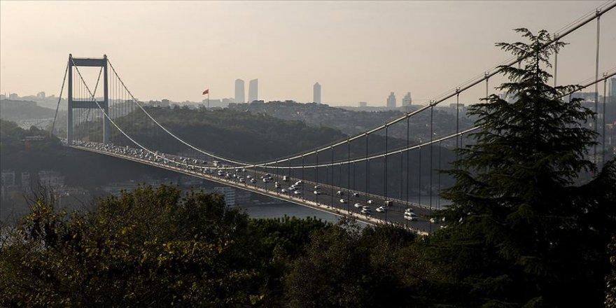 İstanbul'un iki yakası arasındaki araç geçişi yüzde 52 azaldı