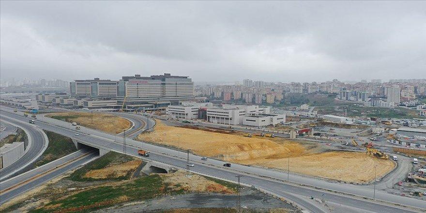 İstanbul'un şehir hastanelerinden Kovid-19 ile mücadeleye büyük destek