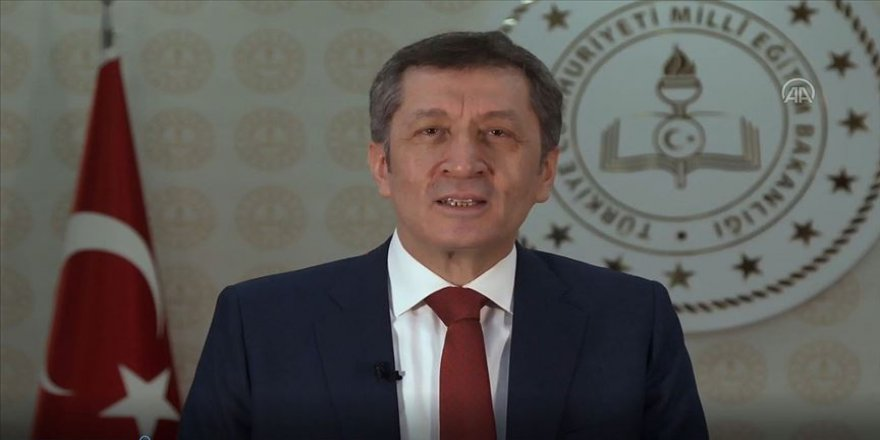 Milli Eğitim Bakanı Selçuk velilere videolu mesaj gönderdi
