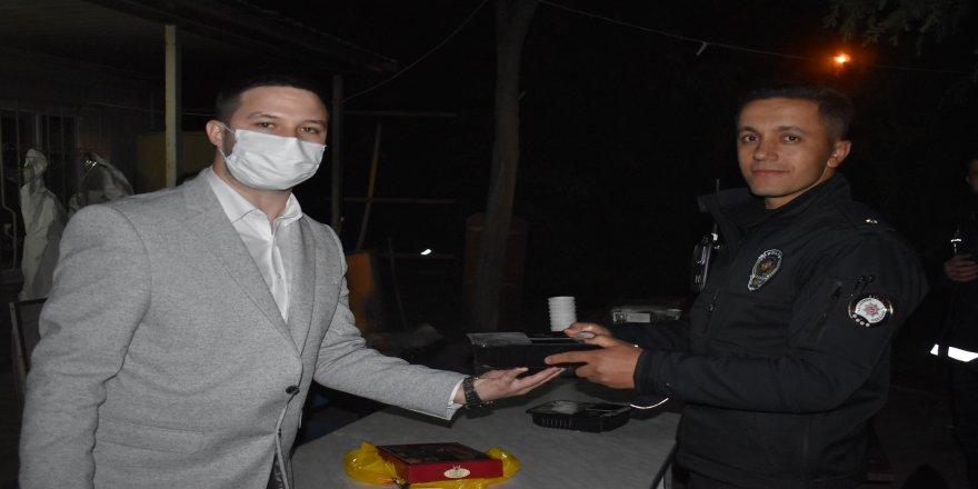 Gebze Genç MÜSİAD,Görevleri Başındaki Polisleri Unutmadı