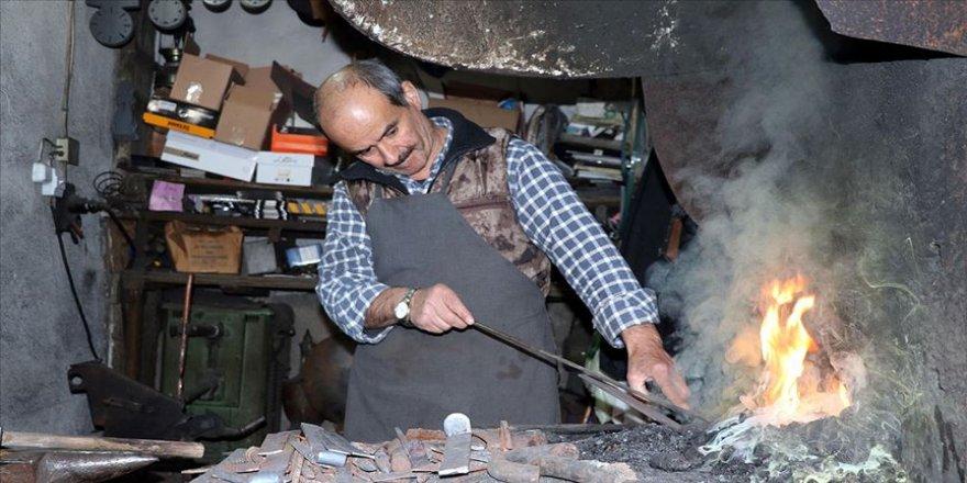Tarihi konakların 'UNESCO çilingiri'nin zorlu ramazan mesaisi