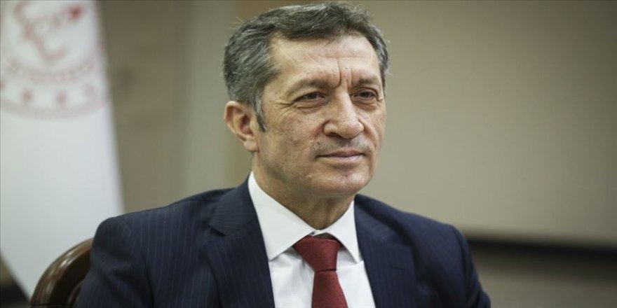 Milli Eğitim Bakanı Selçuk'tan uzaktan eğitim süreci açıklaması