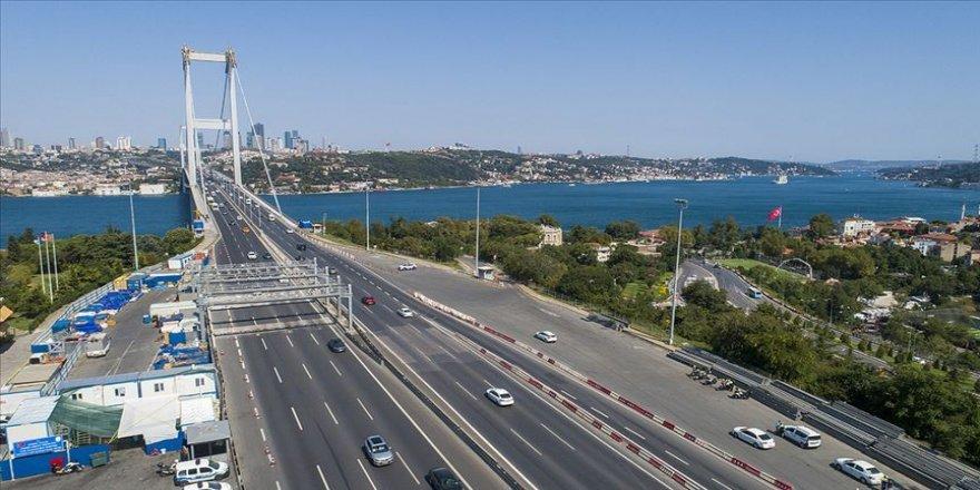 Bayramda yap-işlet-devret projeleri hariç,köprü ve otoyollar ücretsiz