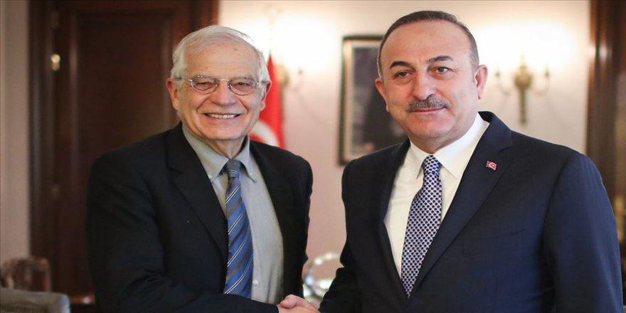 Bakan Çavuşoğlu AB Yüksek Temsilcisi Borrell'le Filistin meselesini görüştü