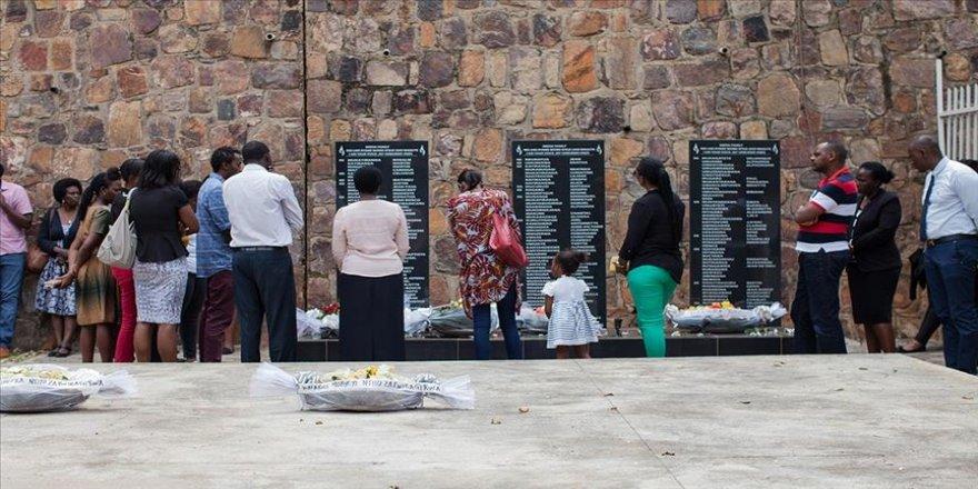 Fransız uzmanlar Fransa'nın Ruanda soykırımını yapanları desteklediğini düşünüyor