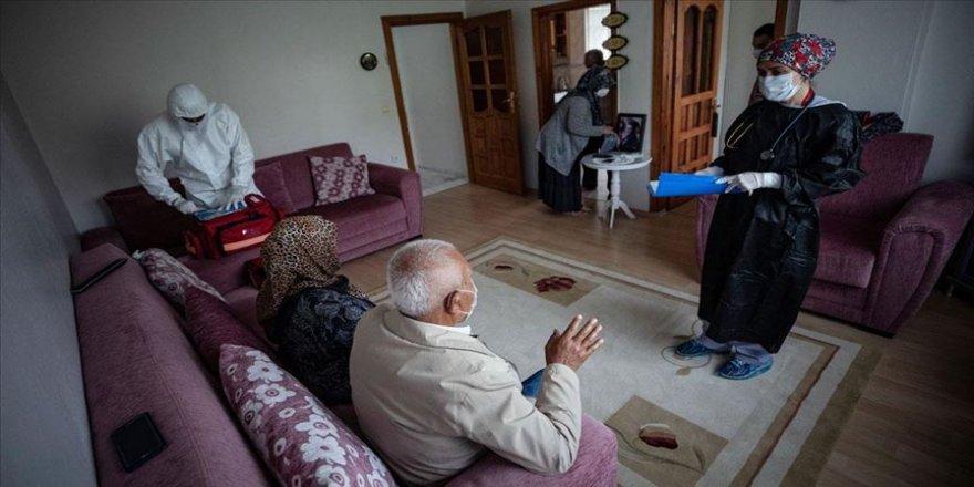 Kovid-19 salgınında 'evde sağlık' bekleyenler hizmetsiz kalmadı