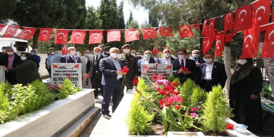 Gebze Şehitliği'nde Tören Düzenlendi