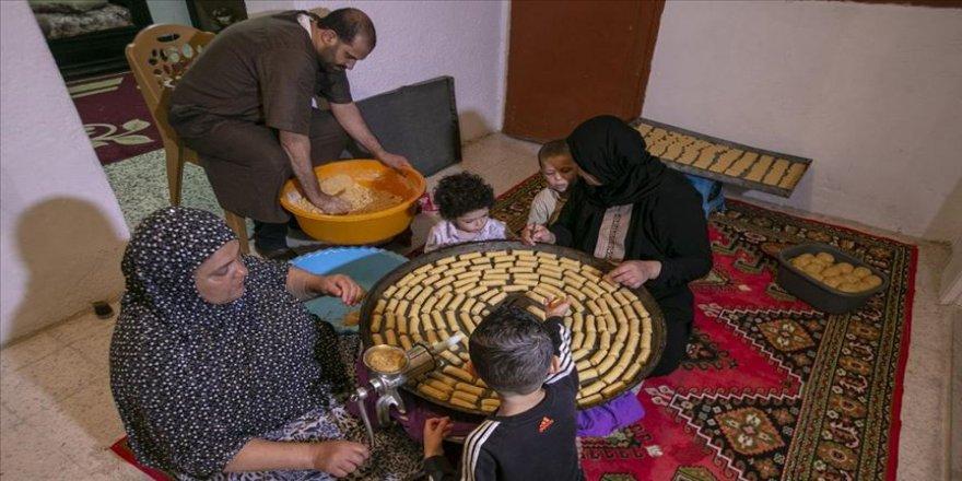 Tunus'ta Kovid-19 nedeniyle evler 'tatlı koktu'