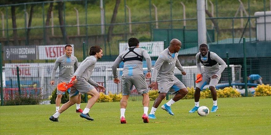 Trabzonspor iki günlük iznin ardından çalışmalarına başladı