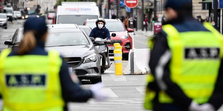 Fransa'da Kovid-19'dan ölenlerin sayısı 28 bin 596'ya yükseldi